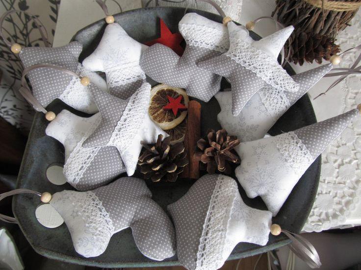Weihnachtsbaumschmuck Im Landhausstil, Weiß/grau Von Mit Stich Und Faden Auf