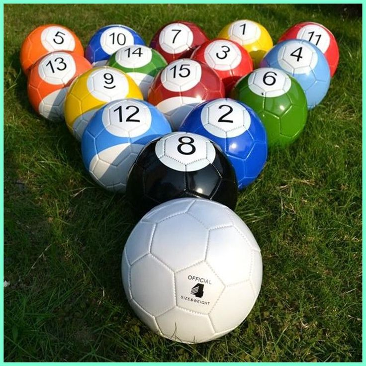Vente et location des plates-formes de jeu Foot Pool - Mélange de soccer et de billiard Foot Pool se joue avec les pieds sur une table de billiard géante. Sale and rental of the Foot Pool game platform - Mixture of soccer and pool, Footg Pool is play with your feet on a giant pool table.