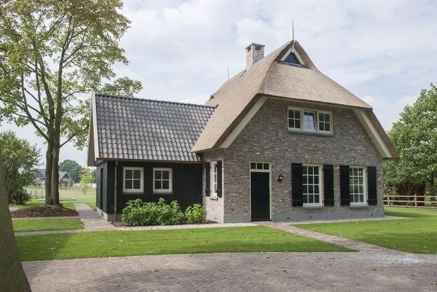 25 beste idee n over cottage stijl huizen op pinterest cottage exterieur engelse cottages en - Lay outs oud huis ...