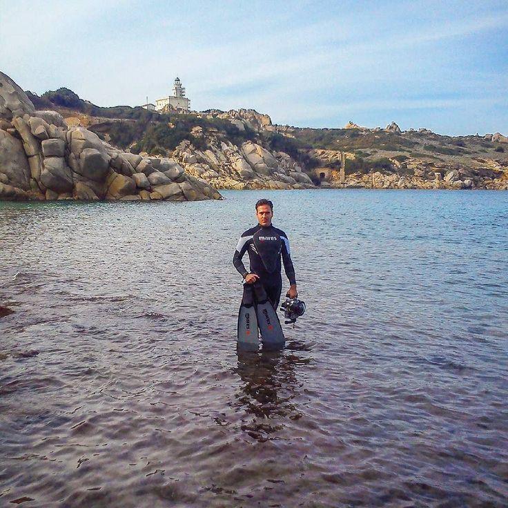 After my Chtistmas tree this is my idea of Christmas Holiday 26th December in Sardinia #sea #superhubs_power #explorer #whatmakestheocean #mytinyatlas #lovetheocean #nimar #water #SuperHubs #explore #explorersgonewild #liveadventurously #adventurethatislife #landscape #beautiful #finditliveit #blue #ocean #sardegna #exklusive_shot #sardinia #italy #maresrazor #travelling #nature #vittoriogreggio #visualsoflife #mares #davidoffcoolwaterparfums #freedive