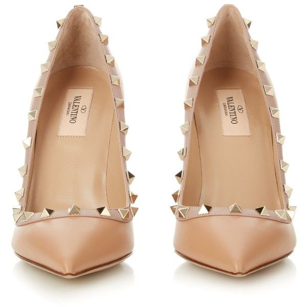 Valentino Rockstud point-toe pumps ($825) ❤ liked on Polyvore featuring shoes, pumps, heels, heels stilettos, studded shoes, pointed toe stilettos, leather pumps and valentino shoes