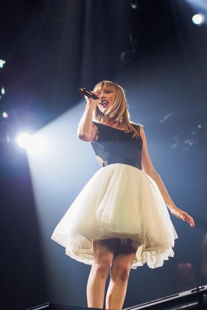 Taylor Swift challenge day 28- how she's influenced your life: she just inspires me everyday to be myself and believe in miracles and I absolutely love her