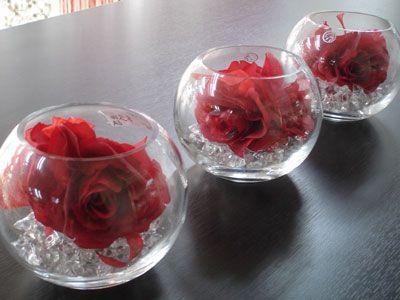 Gold Wedding Centerpieces on Short Round Vases  Wedding Centrepieces Idea