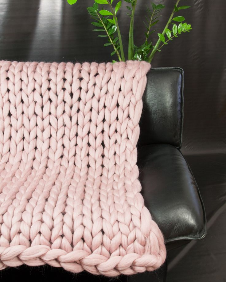 Super Chunky Knit Blanket Throw Blanket Sofa Throw Beautiful Pink Merino Wool Blanket Home Decor Giant knitting Gift Cozy blanket Bedding by Merrisson on Etsy https://www.etsy.com/listing/246440278/super-chunky-knit-blanket-throw-blanket