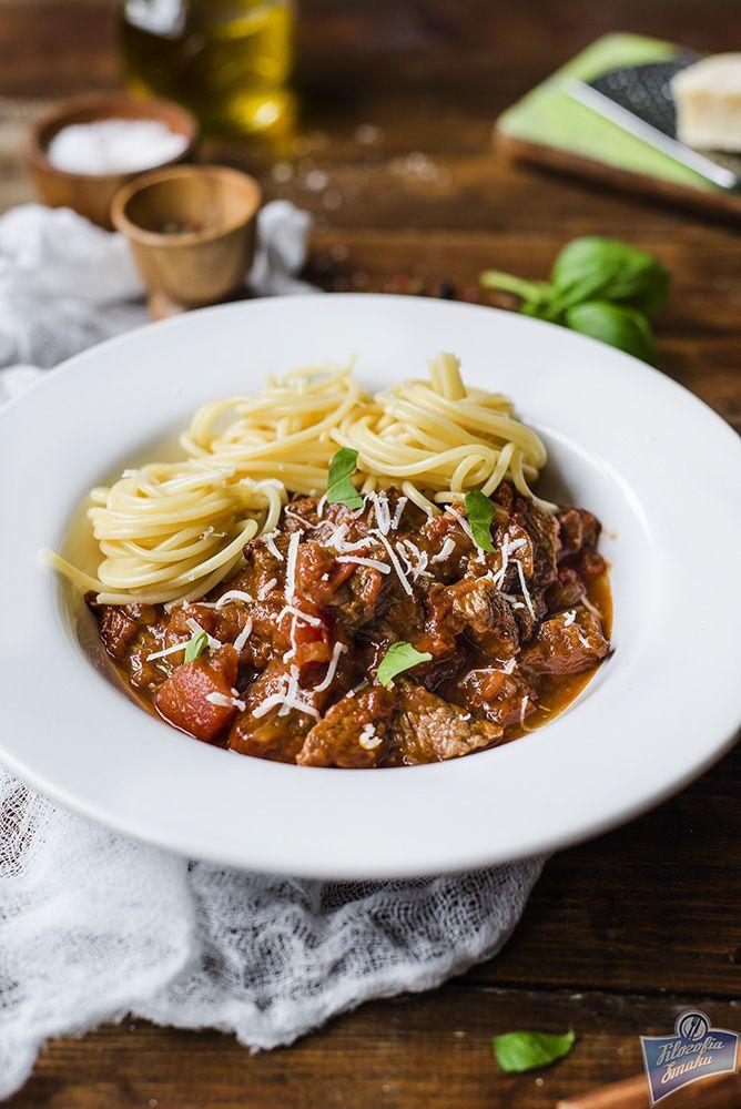 Pastitsada Beef In Tomato Sauce