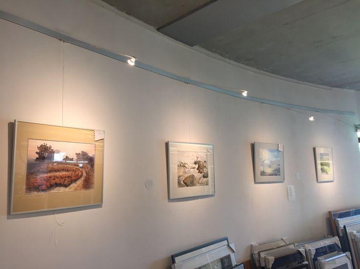 Ook bij de Kunstuitleen is de tentoonstelling Poezie en verbeelding te bekijken