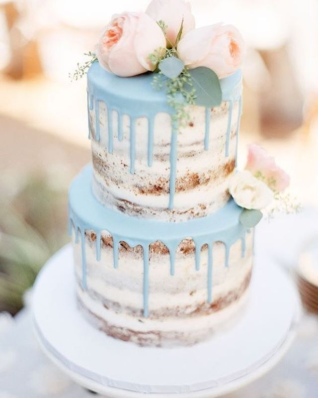 "18 Likes, 2 Comments - Life is Peachy (@lifeispeachyinvites) on Instagram: ""Such a pretty wedding cake via @burnettsboards"""