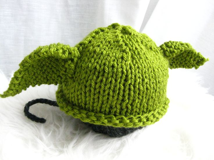 Knitted Yoda hat - free pattern