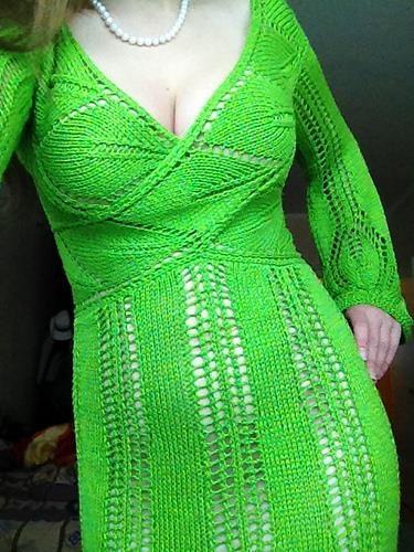 Шелковое оливковое платье с запахом