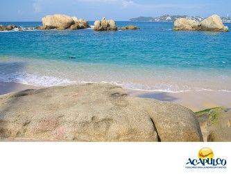 #lasmejoresplayasdeacapulco Unas de las mejores playas de Acapulco. LAS MEJORES PLAYAS ESTÁN EN ACAPULCO. Por sus hermosos paisajes, su tranquilo oleaje y la gran actividad pesquera que sostiene, una de las playas más placenteras de Acapulco es Tlacopanocha. Se encuentra dentro de la zona llamada Tradicional y es una de las más visitadas del Puerto. Te invitamos a visitar esta playa, durante tus próximas vacaciones en el hermoso Acapulco. www.fidetur.guerrero.gob.mx