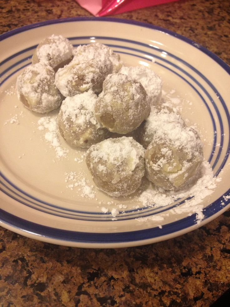 12 best cooking with a pinch of history images on for Traditional mexican wedding cookies