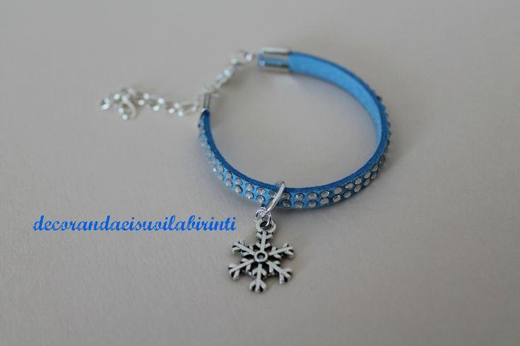 braccialetto fiocco di neve. Mi trovi su www.facebook.com/decorandaeisuoilabirinti