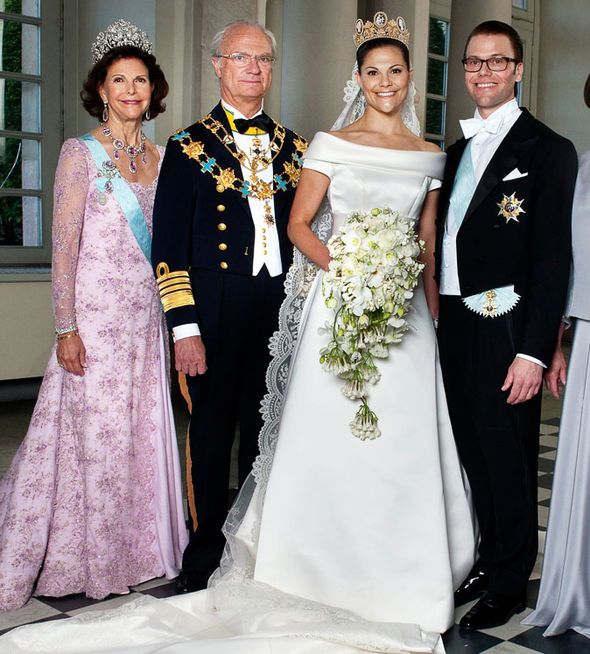 Royal Wedding Dress From Kate Middleton To Princess Mary Whose Gown Is Most Lavish Royal Wedding Dress Royal Wedding Gowns Wedding Dresses