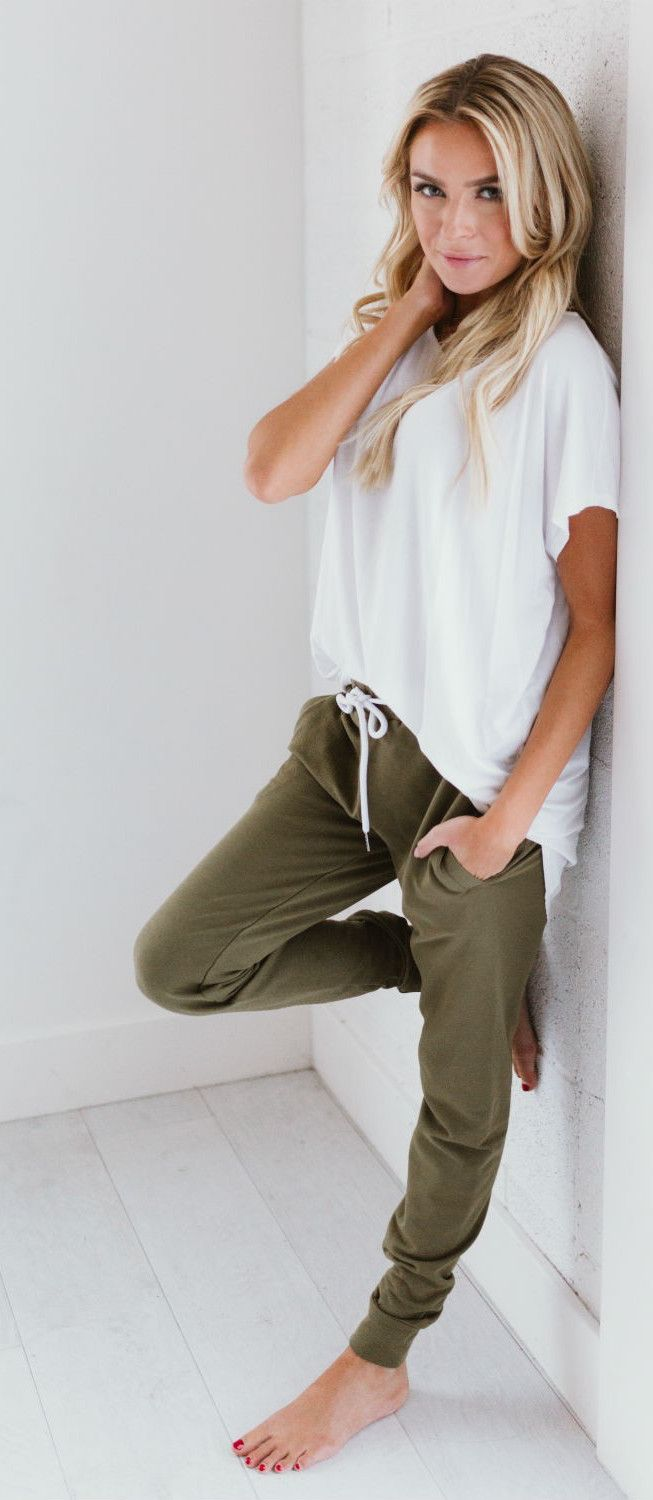 Best 25+ Joggers outfit ideas on Pinterest | Black joggers outfit Joggers and Lounge outfit