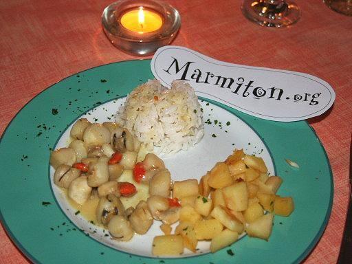 Recette de Noix de Saint Jacques au miel, curry et pommes.