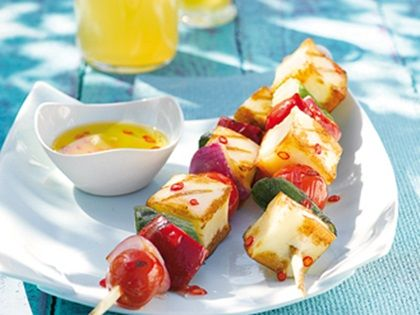 Halloumi-Gemüse-Spieße mit Sesamvinaigrette