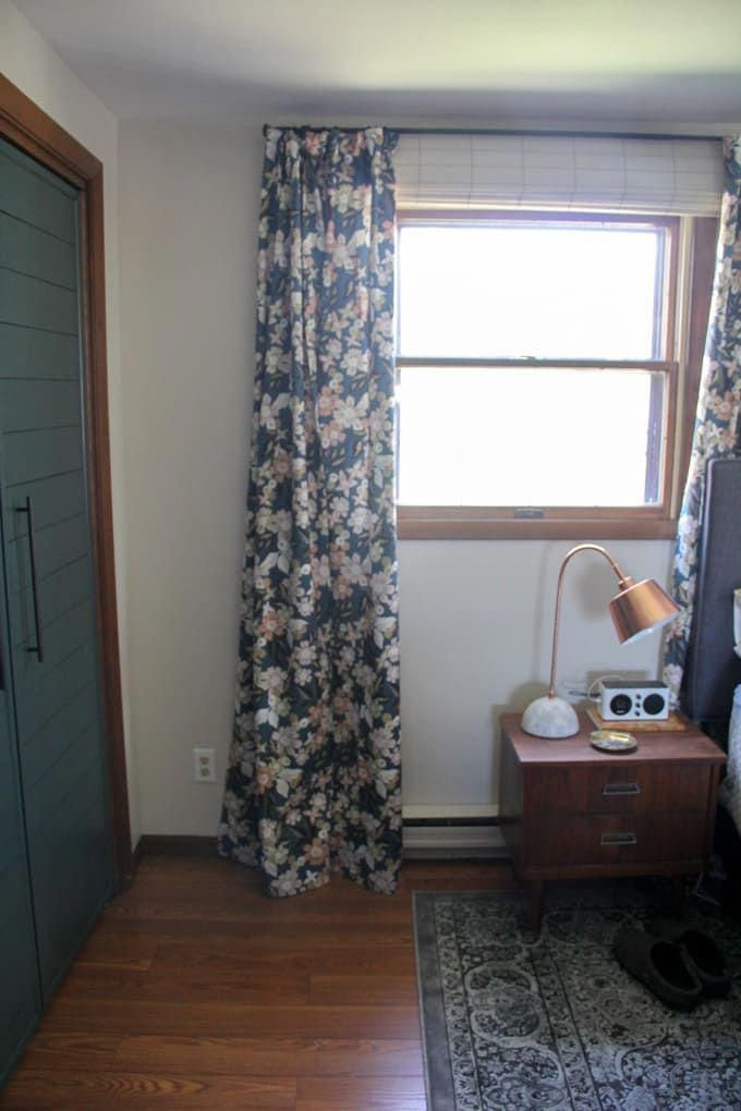 Hang Curtains Like A Professional Tips For Hanging Curtains Modern Floral Curtains The Rig Hanging Curtains Shabby Chic Curtains Colorful Curtains