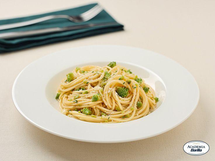 Spaghetti con cavolo romano