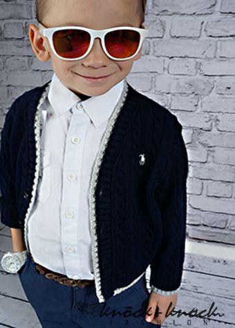 ciepły sweterek dla chłopca, stylizowany na   markę Ralph Lauren, Locoste. Do kupienia na:   mail: knocknock.fashion@gmail.com  fb: https://www.facebook.com/pages/knock-knock-fashion/230430617163127?ref=hl instagram: http://instagram.com/knock_knockfashion# #kidsfashion #fashionkids #modadladzieci #modnedziecko