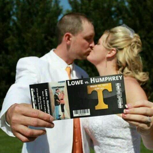 Tennessee Volunteers fan throws the most Vols wedding ever