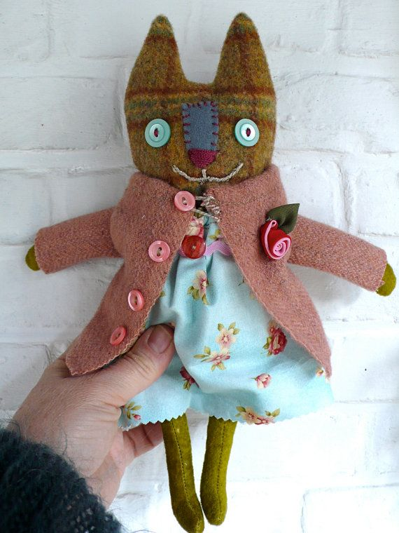 Nadia - a primitive cloth cat doll (by Pussman & Co @ Etsy)