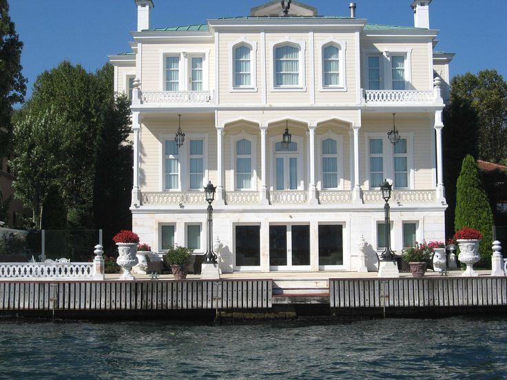 https://flic.kr/p/7fbz5U   Bosphorus House, Istanbul, Turkey   Old Ottoman house by the waterside