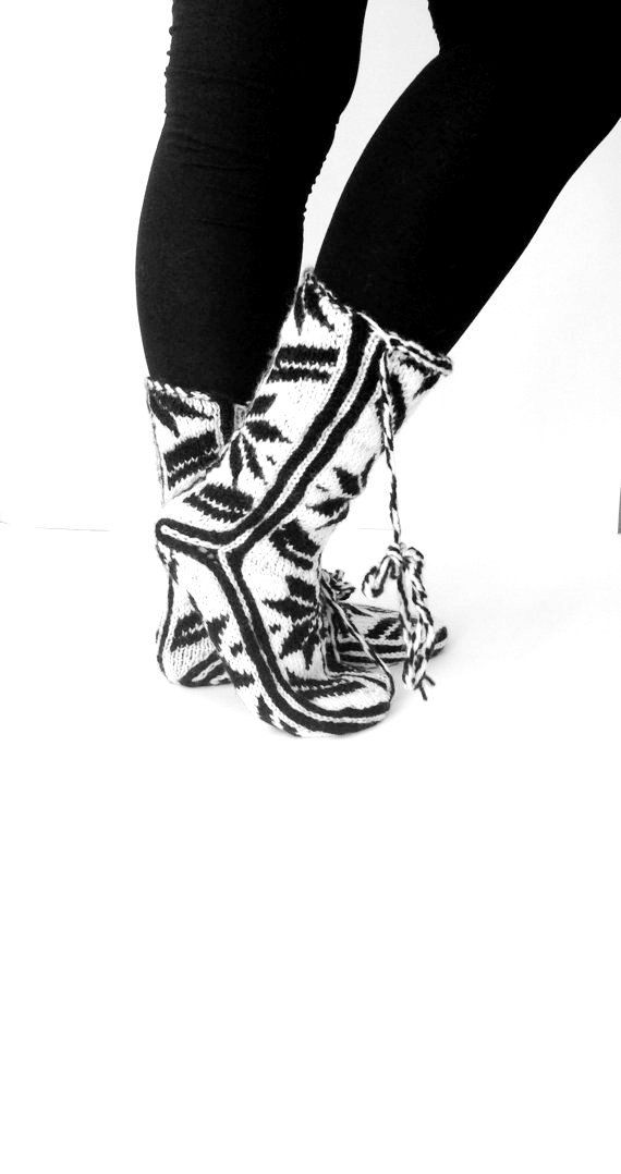Comfy Slippers, Black and White Slippers, Handmade Slippers, Booties pinned from ayelila on Etsy