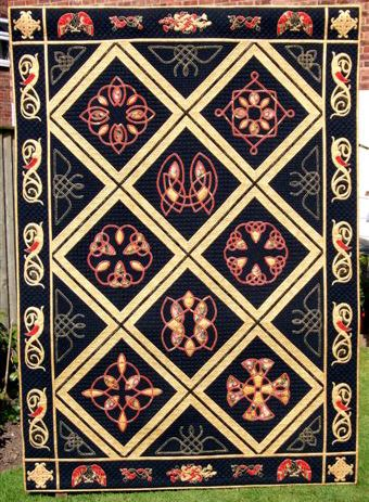 """Celtic Fantasy"" by Diane Abram.    Best in Country Award (UK) at the 2008 World Quilt Competition"