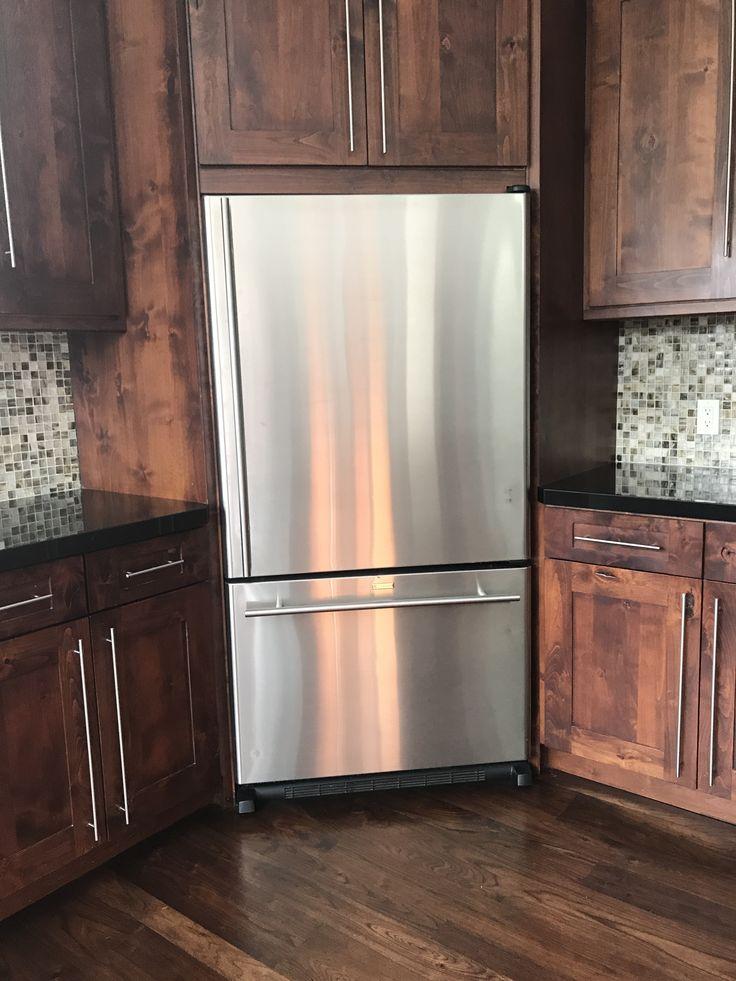 Corner fridge | Kitchen layout, Modern kitchen island ...