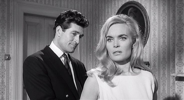 Shirley Eaton and Hugh O'Brian take the lead roles in this version. Description from bloodymurder.wordpress.com. I searched for this on bing.com/images