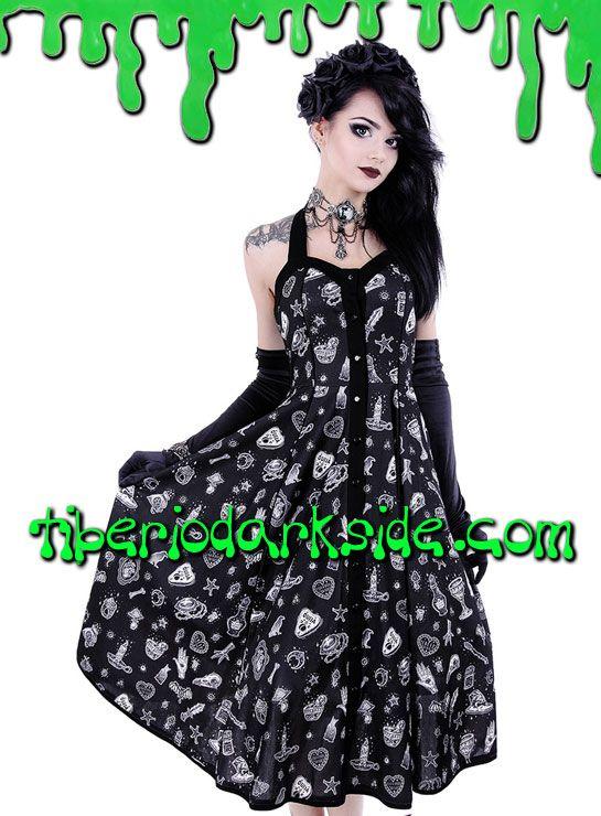 PRECIO en Tiberio Dark Side 46,50€ (otras tiendas 49,25-79€)Vestido nu goth realizado en tejido negro estampado de brujería (cráneos de cuervo, gatos, estrellas, lunas, oiijas, pentagramas, velas). Escote halter con lazo atado al cuello. Botones frontales. Falda de vuelo por el gemelo.COLOR: NEGROTALLAS: XS, S, M, L, XL, XXL, 3XLXS - 78 cm pecho, 62 cm cinturaS - 84 cm pecho, 68 cm cinturaM - 90 cm pecho, 74 cm cinturaL - 96 cm pecho, 80 cm cinturaXL - 102 cm pecho, 86 cm cinturaXXL - 106…