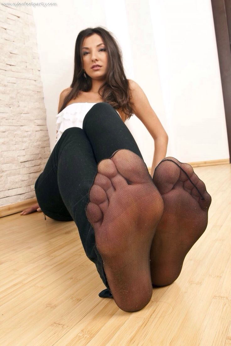 Wife mmm Pantyhose foot sex