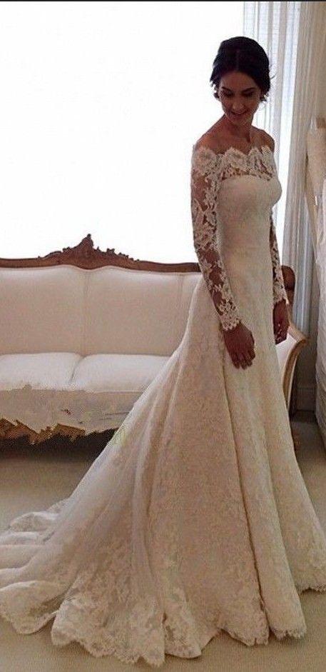 Me gusta que el traje de novia tenga el encaje. Quiero el vestido más que todo