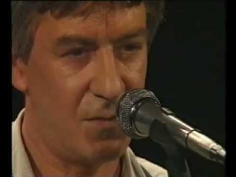 cseh tamás énekel