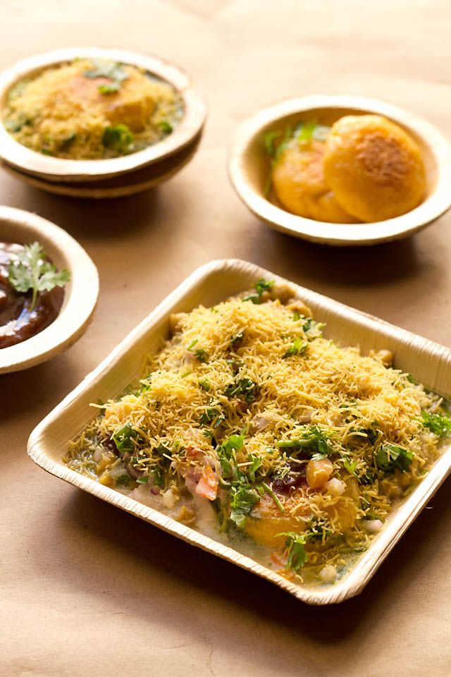 Ragda Patties Recipe with Step by Step Photos. Mumbai Ragda Patties or Ragda Pattice is one of my favorite chaat recipe along with Pani Puri and Sev Puri.