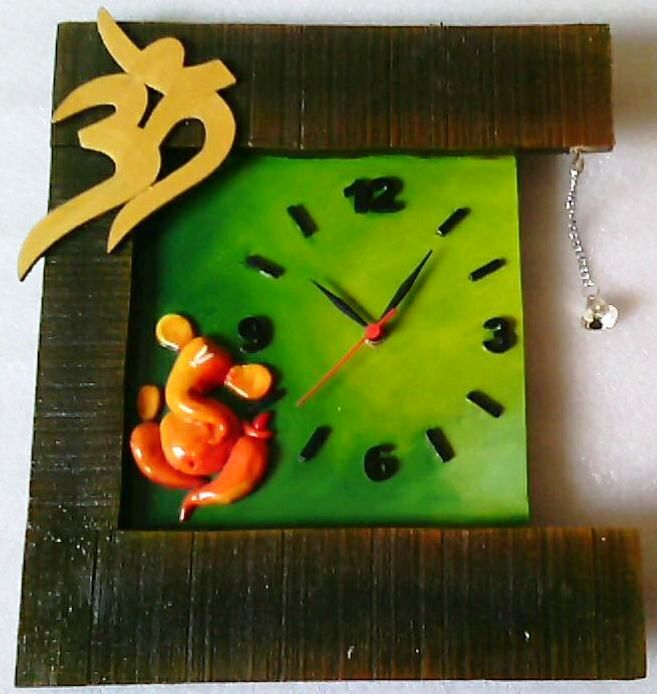 The bold and distinctive wall clock design will add a wow-factor to your lovely home. It is made from wrought iron that provides durability. With a great combination of black and green, this wall clock will add color and style to your living room.