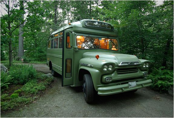 short-bus-retro-winkelman-architecture-2.jpg