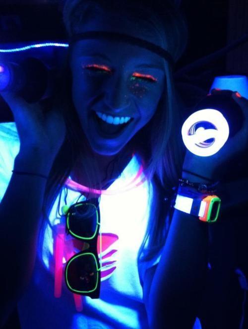 gloww: Young Wild Fre, Neonn Gloww, Attendance Daygloww, Lights Glow, Edm Life, Blacklight Extravaganza, Black Lights, Blacklight Parties, Glow Parties