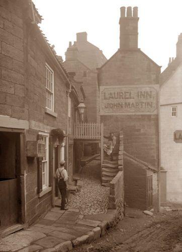 Laurel Inn, Robin Hoods Bay Ref: 2-84 Frank Meadow Sutcliffe
