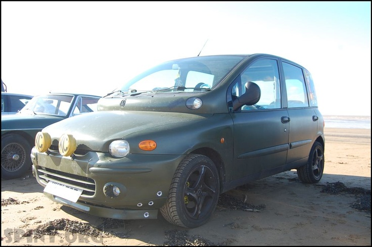 Fiat Multipla Army Theme