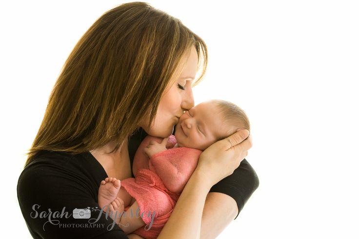 mom and newborn baby girl www.sarah-aynsleyphotography.com