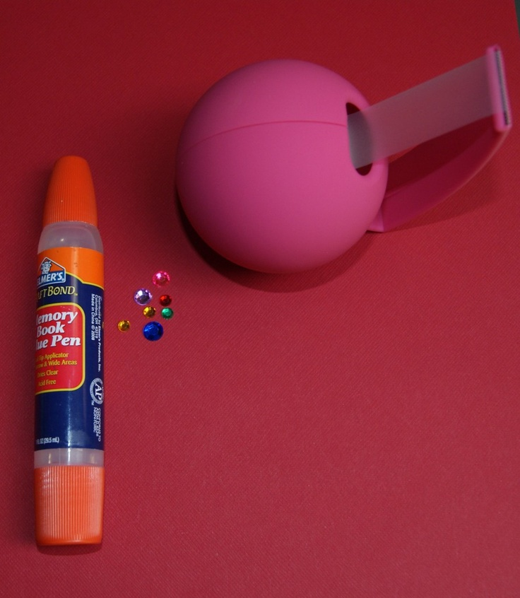 Elmer's Glue Pen--a studio favorite from reader Lisa Marie Troch  The Cherry On Top  http://lmtroch.blogspot.be/