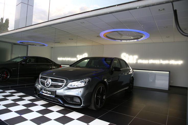 Lamp in show room at Mercedes-Benz Duda-Cars Poznań. #designlighting #mercedesbenz #showroom #emandes