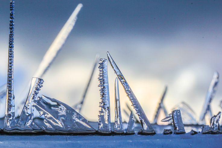 Ware #ijskunst van Moeder Natuur. #januari2016 Prachtige ijsstructuren! #ijs #ice Foto is van Ab Donker.