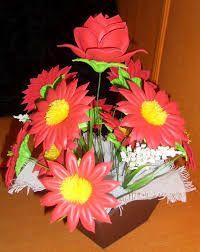 Resultado de imagen para arreglos florales en fomi