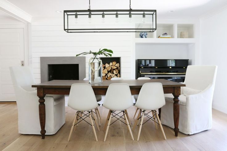 White and bright dining room, Farmhouse table    Studio McGee