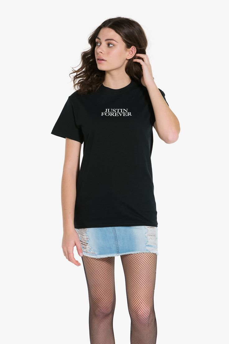 Short sleeve tee from the official justin bieber purpose tour merch