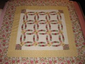 Easy Double Wedding Ring Quilt… The Easiesttttttttttt Double Wedding Ring Quilt Pattern.