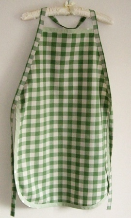 MaryElsie - green check apron - Grandma apron/Nonna apron