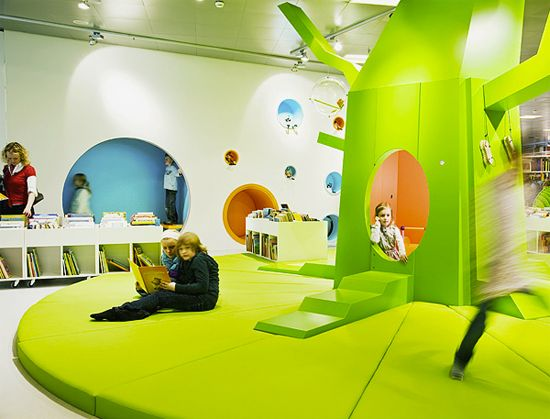 Look Ma, no walls! School Without Walls! Fosters A Free-Wheeling Theory Of Learning. Vittra Telefonplan, in Stockholm